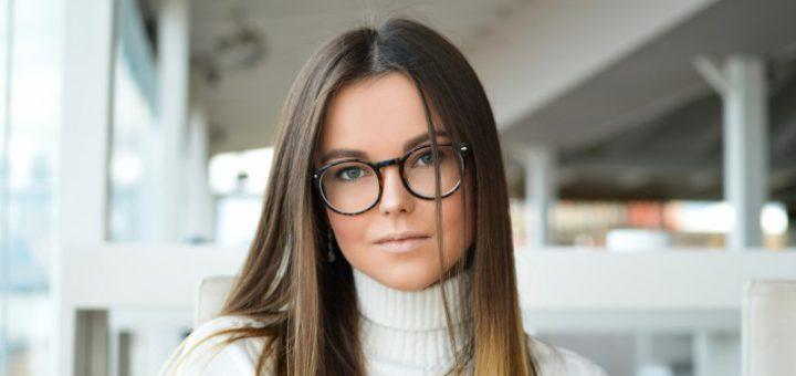 Gli occhiali aiutano le persone a vedere meglio
